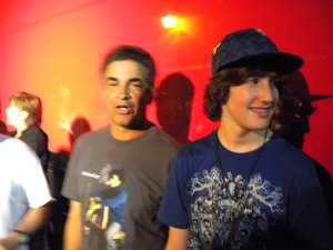 Warren with bassist Kenny Gradney